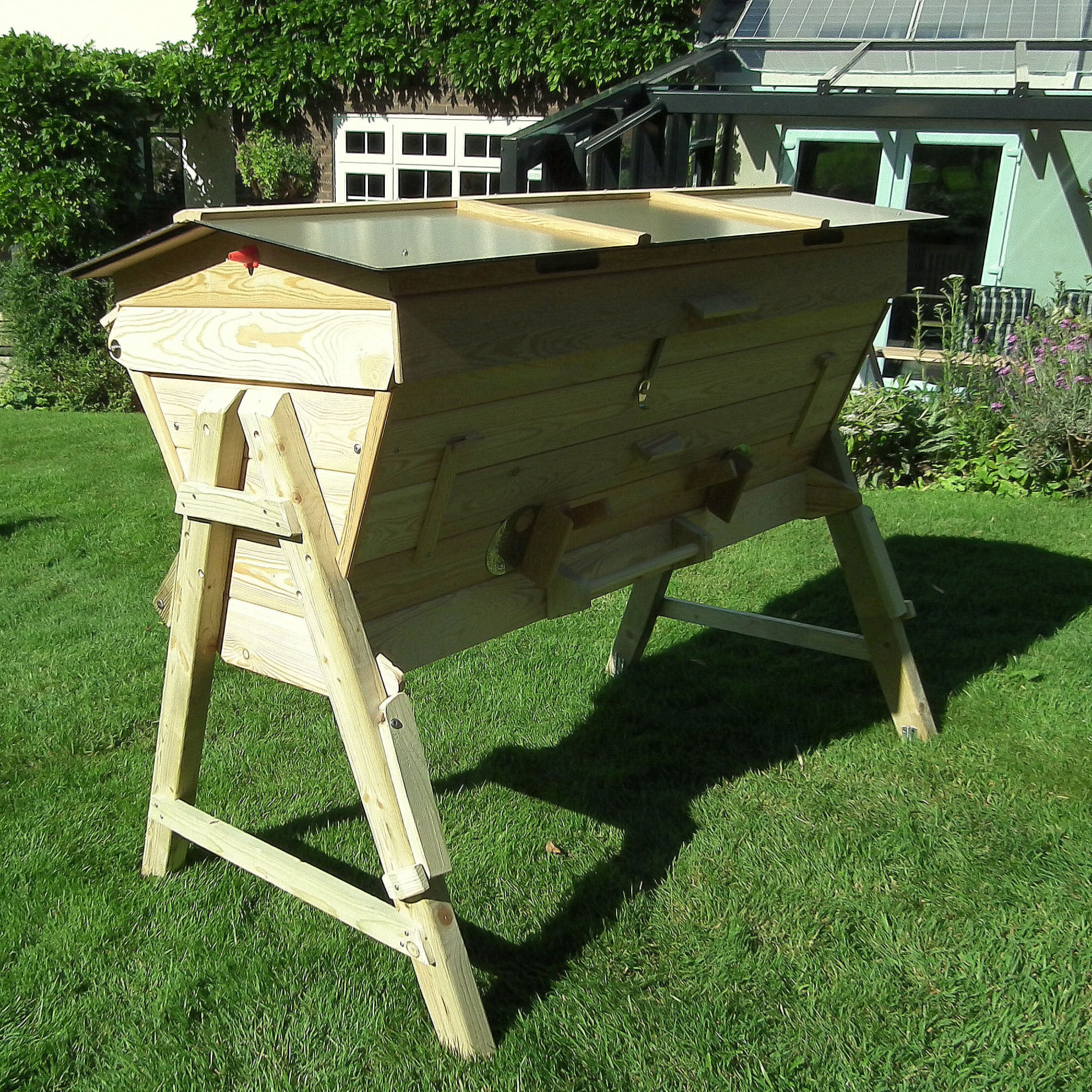 The Beehive Maker